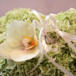 Blumen-Kissen-fuer-Ringe